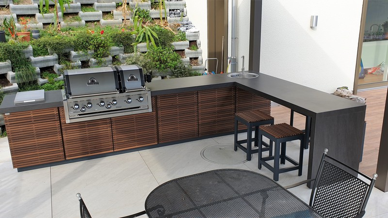 CUBIC Outdoor-Küche mit BroilKing Gasgrill und Barelement