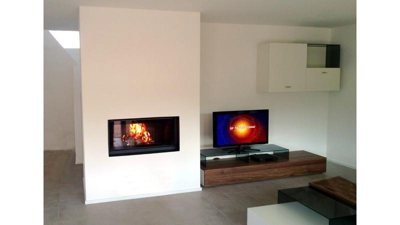 frontchemin e im format 16 9. Black Bedroom Furniture Sets. Home Design Ideas